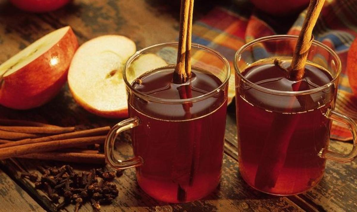 Warm Apple Fruit Drink (Winter Treat)
