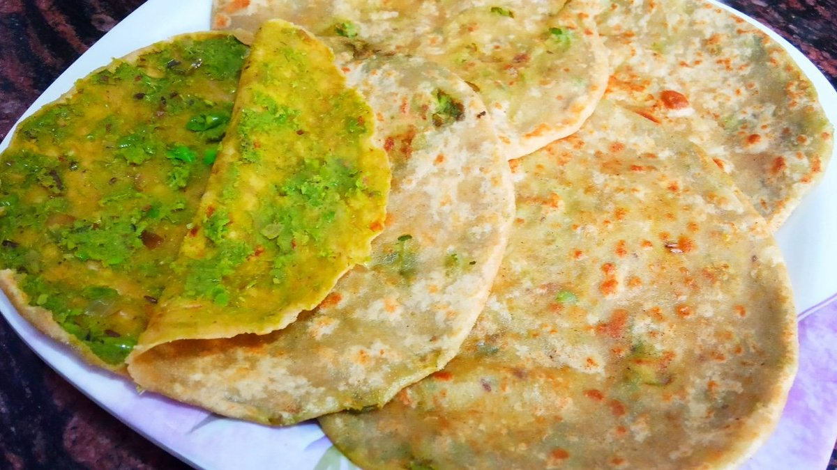 Matar Stuffed Paratha Recipe