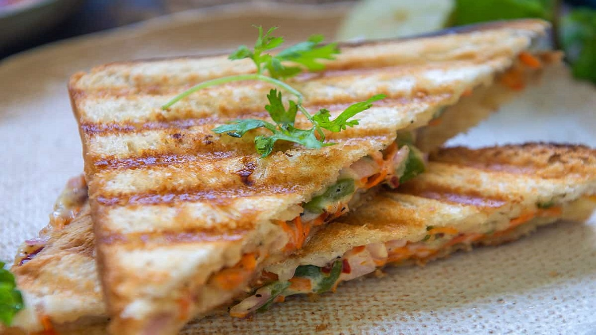 Carrot Capsicum Sandwich Recipe