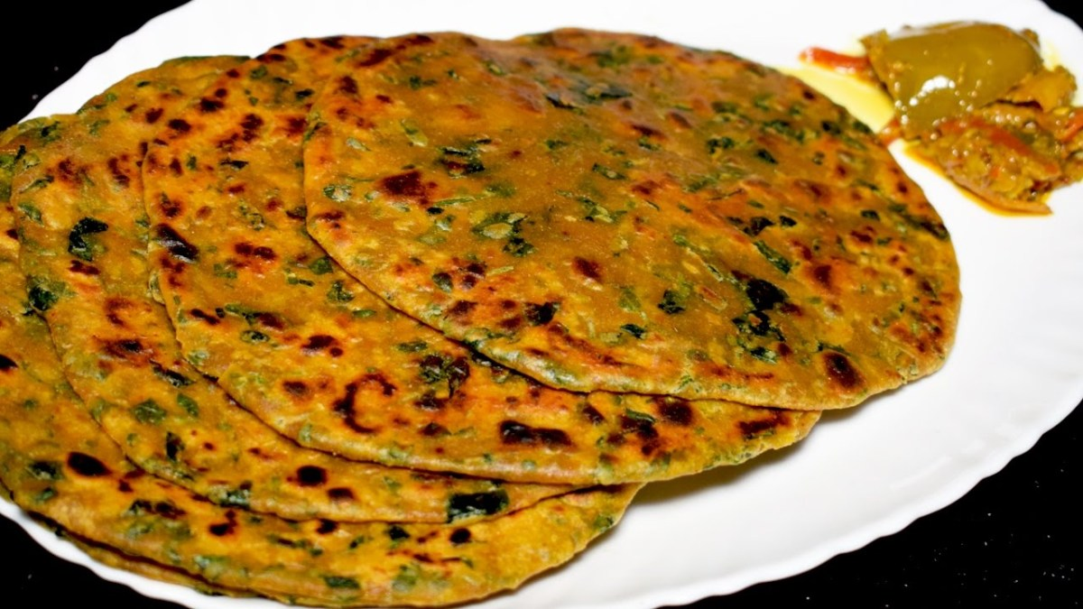 Methi Tomato Paratha Recipe