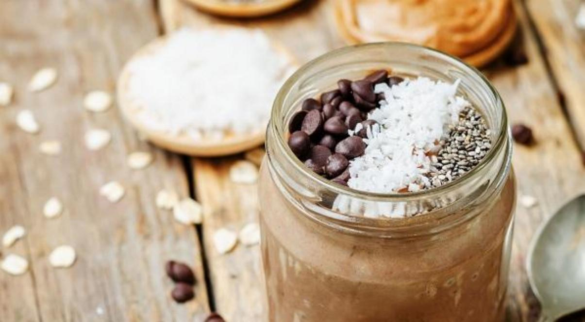 Chocolate Banana Overnight Oats Recipe