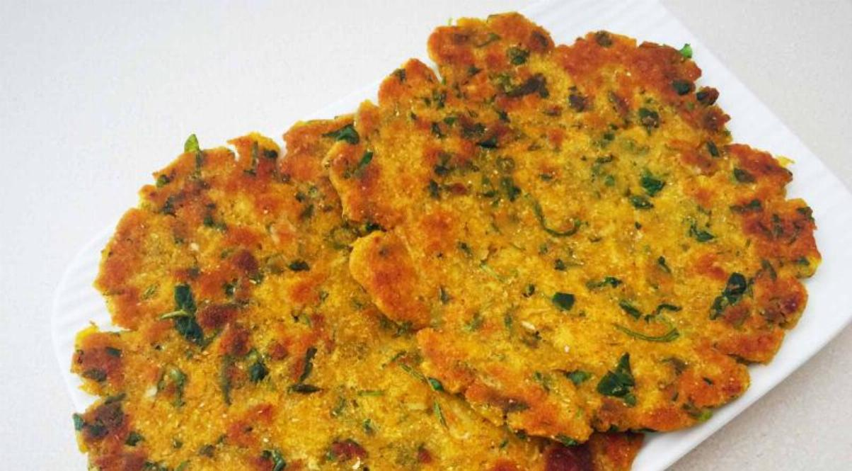 Makka Aloo Methi Paratha Recipe